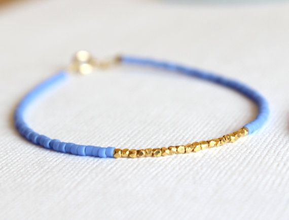 Or rempli Bracelet - 14kt or rempli Bracelet - Bracelet bleu perlé et or Vermeil - Bracelet minimaliste Ce Bracelet Dainty est très élégant