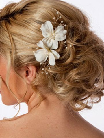 Flower Buns, Hair Ideas, Cute Ideas, Wedding Updo, Beautiful, Bridal Hairstyles, Hair Style, Wedding Hairstyles, Bridesmaid Hairstyles