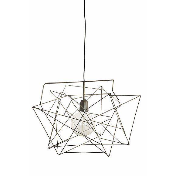 Deze populaire lamp Asymmetric van House Doctor past volledig in de huidige industriële opkomst van koper, goud en metaal producten. Deze grappige lamp heeft...