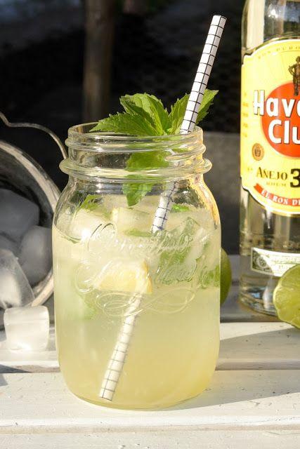 Mojitos für die Happy Hour (Frisch mit Limette, Minze und Rum) via www.hopefray.blogspot.com