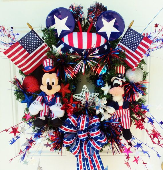 Patriotic Disney Wreath Mickey Mouse and by SparkleForYourCastle