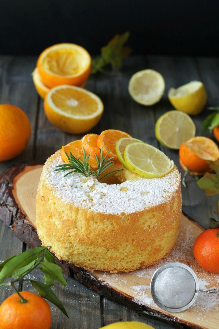 La Fluffosa agli agrumi è una ciambella talmente soffice da fare 'fluff', il suo vero nome è chiffon cake il famoso dolce americano dalla