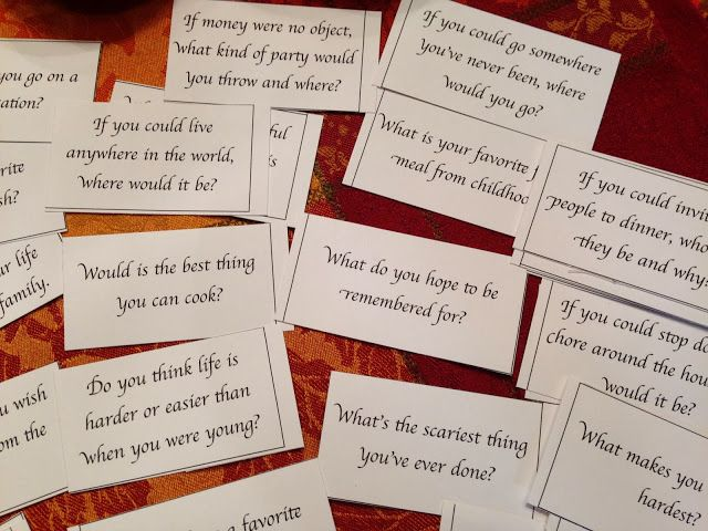 Table Talk Questions for Thanksgiving.  Free Printable