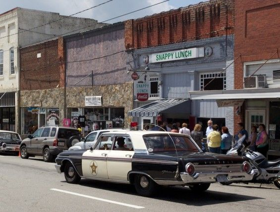 17 best images about mayberry memories on pinterest for Mont airy