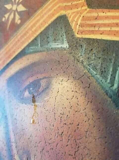 Δάκρυσε η εικόνα της Παναγίας στο Όρεγκον στις 15 Αυγούστου 2017. ΦΩΤΟ - ΕΚΚΛΗΣΙΑ ONLINE