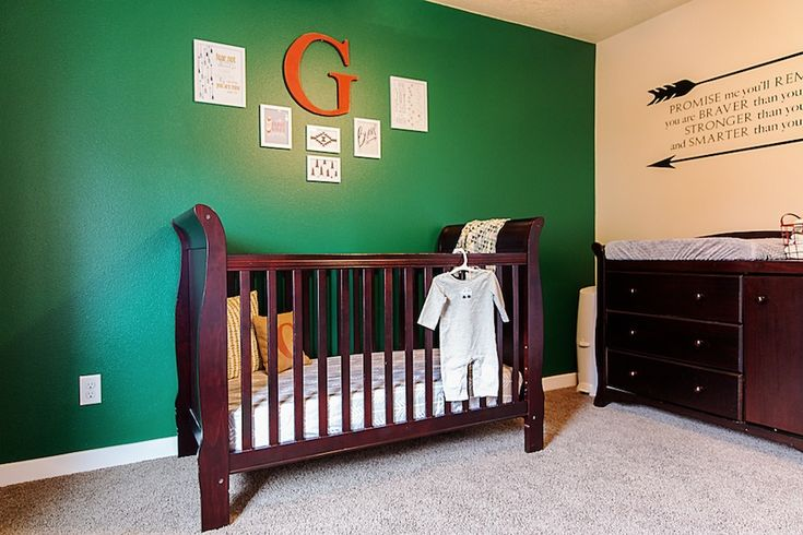 Bold green accent wall - #nursery #babyboy: Projects Baby, Boys Nurseries, Color, Men Nurseries, Golf Nurseries, Projects Nurseries, Little Man, Green Nurseries, Accent Wall