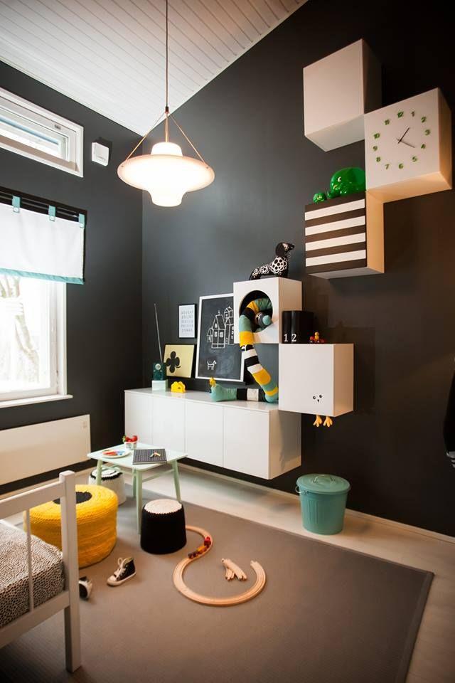 tetris kaapisto. #lastenhuone #kidsroom #tetris #keltainen #mustavalkoinen #diy