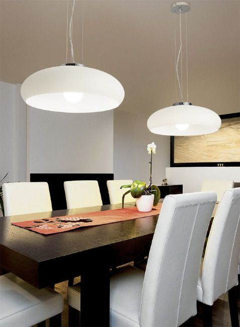 Aria SP1 D50 to włoski żyrandol marki Ideal Lux. Zastosowanie: główne oświetlenie kuchni, żyrandol do jadalni, salonu, biura.