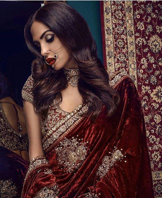 Velvet crush ❤ . . . . #pakistan #pakistanfashion #pakistanbride #indianbride #bengalibride #pakistanvogue #indiavogue #highfashion #asianwedding #weddingdress #asianmagazine #wedding #desiwedding #shaadi #bride #bridal #desi #love #easternidentity #smile #followme #like4like #jewellery #ootd #beautiful #amazing #instagood #instafashion #weddinginspiration #stunning