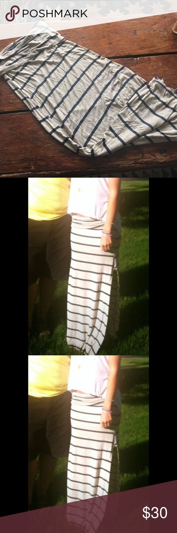 Elan striped maxi skirt Elam cream and navy stripped maxi skirt with side slit ! So soft and comfy! Only worn twice. Free People Skirts Maxi