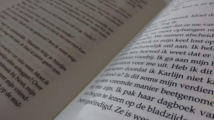 Mening: Toen ik in dit boek begon kon ik echt niet meer stoppen met lezen! Het was echt ontzettend spannend! Het einde daarentegen viel weer wat tegen. Ik had het einde net zo sterk verwacht als de rest van het boek. Maar alles bij elkaar vond ik het echt heel leuk om te lezen! Vooral doordat je het vanuit twee verschillende personen te zien kreeg was het extra spannend. Ik zou dit boek zeker aanraden!