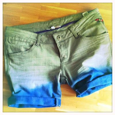 #DIY Dip Dye Shorts   #TOPSHOP Inspired
