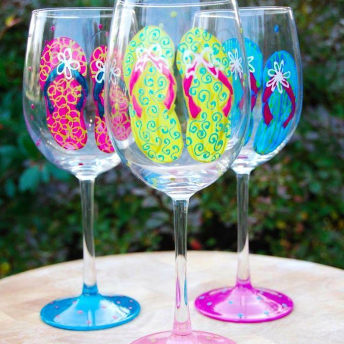 1001 Ideen Fur Glas Bemalen Zur Inspiration Und Zum Entlehnen Bemalte Weinglaser Glaser Bemalen Deko Im Glas