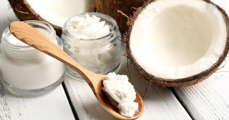 Gesünder, schöner, schlanker: Kokosöl hat viele positive Effekte auf unseren Körper. Schon ein Löffel am Tag macht einen riesigen Unterschied!