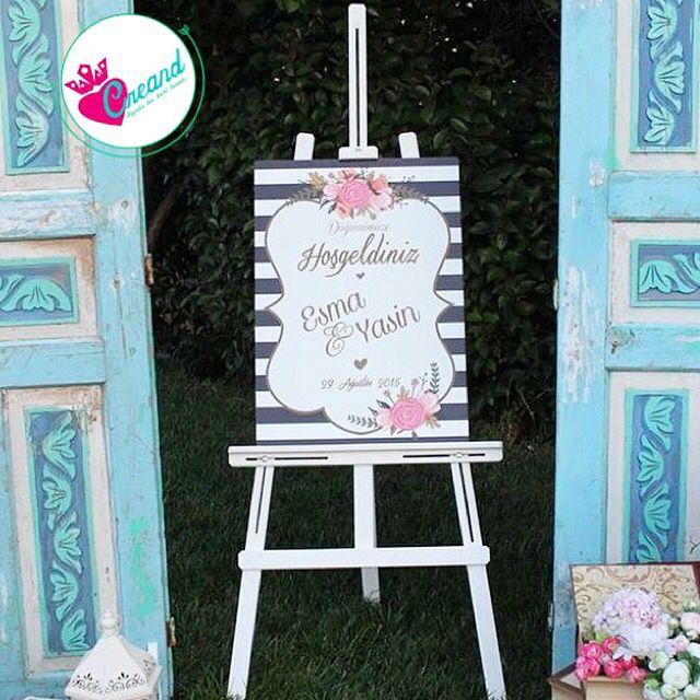 Dilediğiniz renklerde, modellerde karşılama tabelaları tasarlayıp düğününüze şıklık katabiliriz  Bizimle iletişime geçin✔️ #gelineozel #gelinbuketi #gelincicegi #gelinicinhersey #kirmizi  #coksevdik #gelinsaci #gelintaci #wedding #bridetobe #kina #kinagecesi #gelinhamami #gelindamat #evlilik #evlilikhazirliklari #dugun #dugunhazirliklari #ask #mutluluk #kinataci #gelinolmak #gelinlik #enguzelgun #istanbul #izmir #ankara #kinasaci #istebenimstilim #kinataci#dugunaksesuarlari