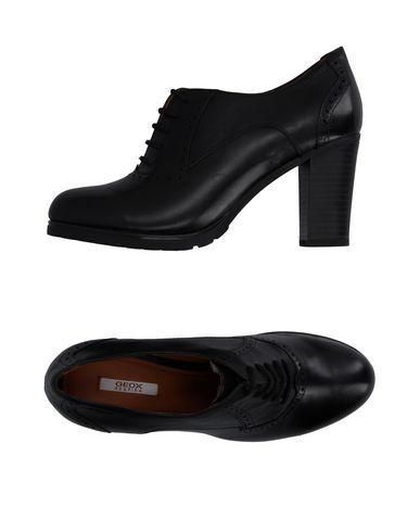 Geox Chaussures À Lacets Femme sur YOOX.COM. La meilleure sélection en ligne de Chaussures À Lacets Geox. YOOX.COM produits…
