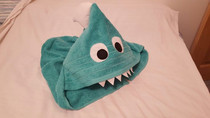 Shark hooded towel  Available at Etsy shop: https://www.etsy.com/uk/listing/479774064/shark-hooded-towel?ref=related-0