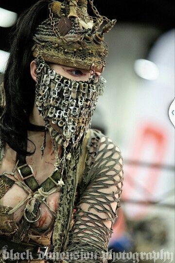 Wasteland Warrior - eine endzeitliche orientalische kriegerin
