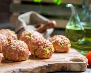 Boulettes marocaines boeuf et coriandre : http://www.fourchette-et-bikini.fr/recettes/recettes-minceur/boulettes-marocaines-boeuf-et-coriandre.html