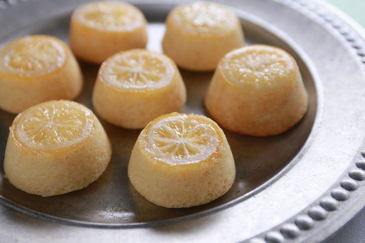 Game of Thrones Sansas Lemon Cakes by Rosanna Pansino (aka Nerdy Nummies)