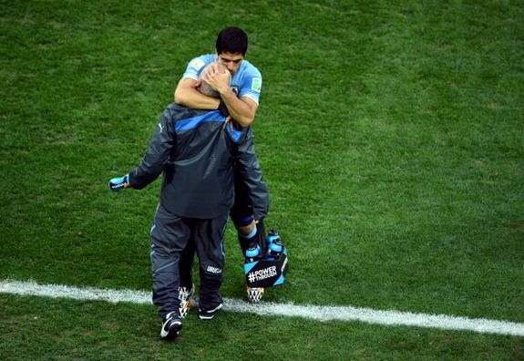 Uruguay physio halted cancer treatment to help Luis Suárez recover from injury