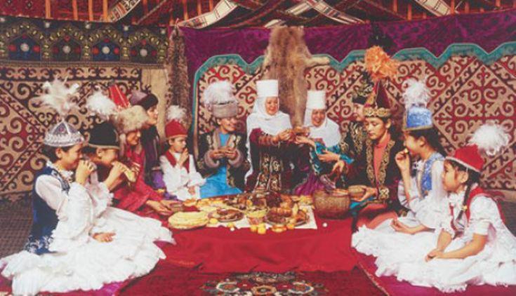 В современных условиях урбанизации и глобализации произошли изменения традиционного образа жизни казахского народа. Однако основные черты национальной культуры сохранились, пройдя испытание временем
