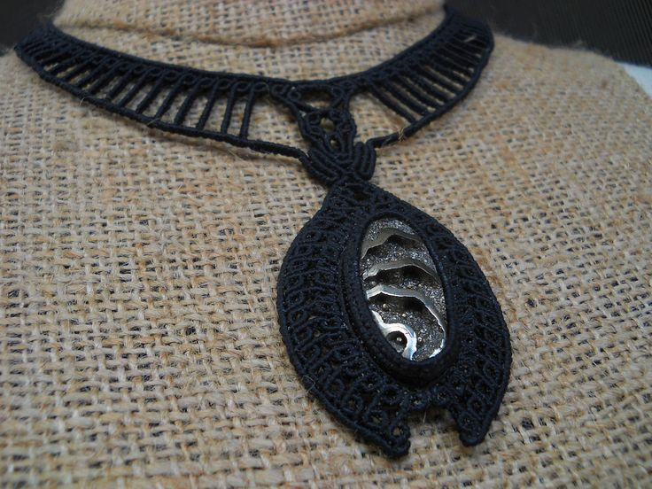 Macramè necklace with ammonite with pyrite geode.