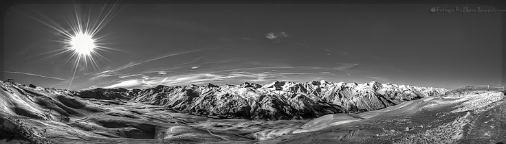 "French Alps from the peak Cime de Caron (3200m) - Copyright © 2012 ""Fotografia 