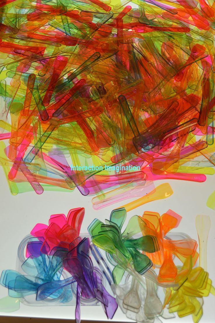 inspiracions per la taula de llum... pals de plàstic dels gelats! bona idea!