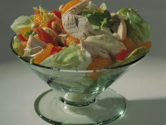 Geflügelsalat mit Mandarinen ist ein Rezept mit frischen Zutaten aus der Kategorie sättigender Salat. Probieren Sie dieses und weitere Rezepte von EAT SMARTER!