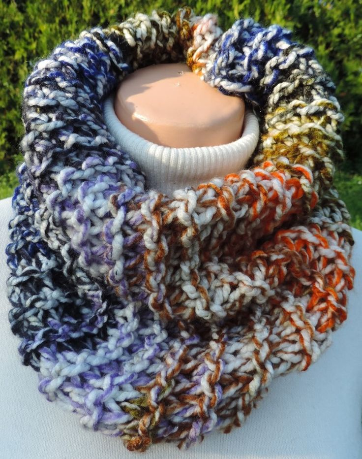 "Cowl, which you can wear around your neck. Thick and warm, many colors :-) Measurement: Scarflette length is ~ 23""x16"" (~ 60x40 cm.) Composition: - 100 % Acrylic - multicolor Handmade with ♥ $10.81 USD"