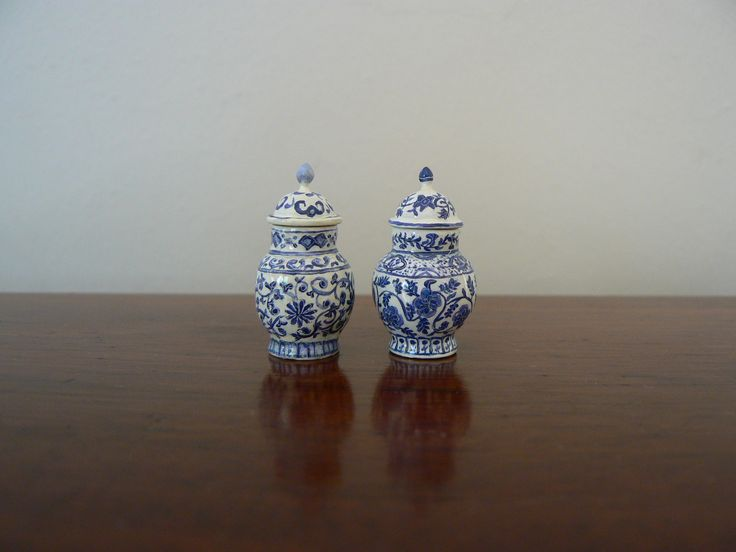 1/12th scale miniature ginger jars sculpted and painted by Pam Jones.