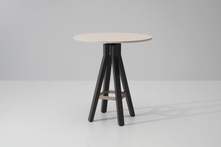 Kettal  | Vieques | Bar table