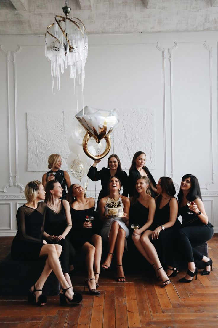 mother-open-black-and-bling-party-theme-women