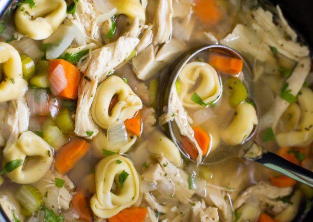 Recette facile de soupe au poulet et tortellini à la mijoteuse