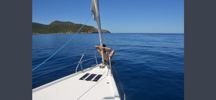 Boat holiday departing from #Piombino on sailboat. Duration: 7 days. Period: 05/25 to 10/04. Cost from €350. Maximum capacity: 6 people. Find out more at http://www.barcheyacht.it/vacanze-barca/vela-barca-a-vela-11-13-metri-piombino-li-italia_1094/