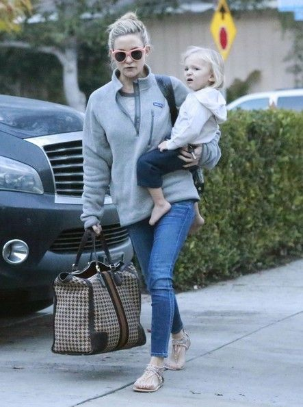 Kate Hudson - Kate Hudson & Family Spend The Day At Her Brother Oliver's House