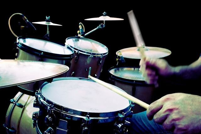 No matter what genre you're listening to, live music played well is truly special. Drum solos aren't quite as common, but there have been some unforgettable throughout the history of rock music, and we've decided to compile a shortlist of some of our favourites.