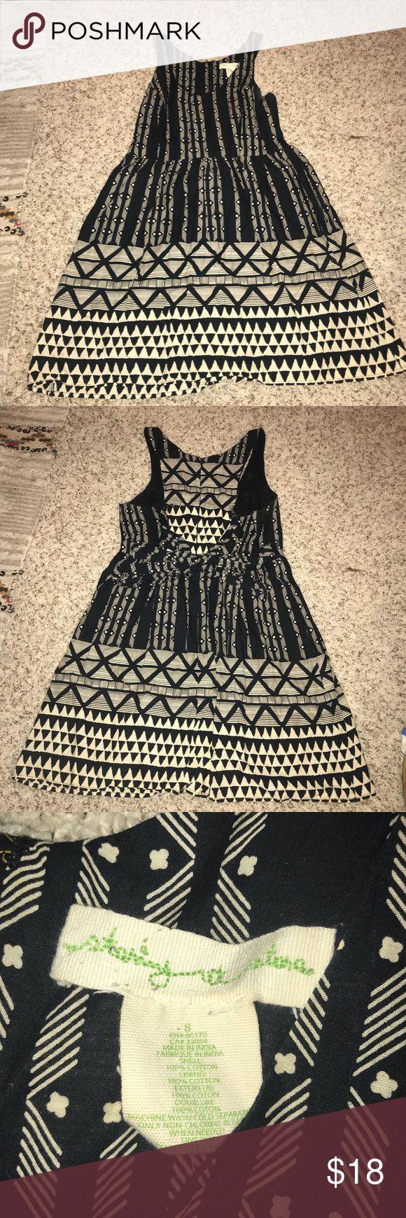 Aztec printed dress Size 8 but runs small fits like a medium. Perfect condition. Zipper still works. Dresses Midi