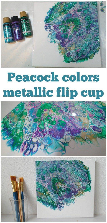 Video tutorial.  Acrílico que vierte la pintura de la taza del tirón usando esquema de color de la pluma del pavo real.  Cómo convertir un esquema de color en una pintura - demostración