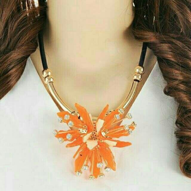 Saya menjual Kalung Fashion MARNI flower pendant decorated simple design - RA5A5D seharga Rp150.000. Dapatkan produk ini hanya di Shopee! https://shopee.co.id/deventostore/11865959 #ShopeeID