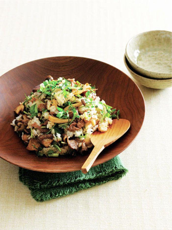 定番人気の炒め物を、ごはんに混ぜるだけ。 『ELLE a table』はおしゃれで簡単なレシピが満載!