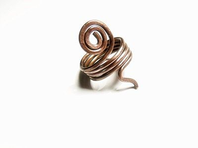 Check out this item in my Etsy shop https://www.etsy.com/listing/225686798/wire-copper-ring