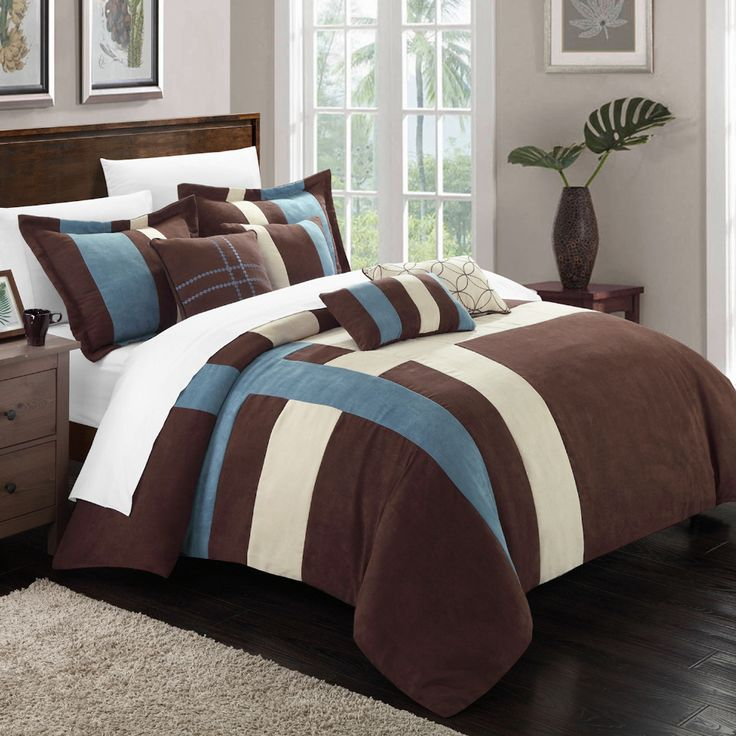 Chic Home - 7-Piece Queen Regina Plush Comforter Set in Blue