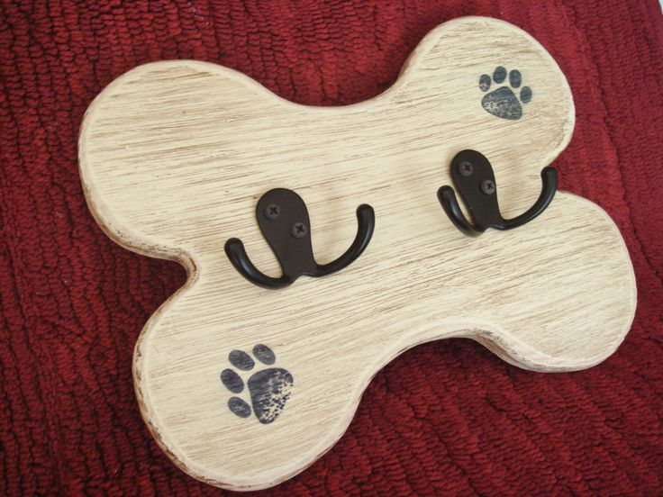 Dog Leash Holder, Leash Hanger, Leash Hook by SammieJosDogProducts on Etsy https://www.etsy.com/listing/249168513/dog-leash-holder-leash-hanger-leash-hook