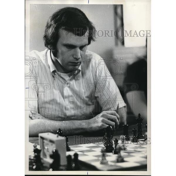 1972 Press Photo Oregon chess champion Clark Harmon Park Haviland Hotel