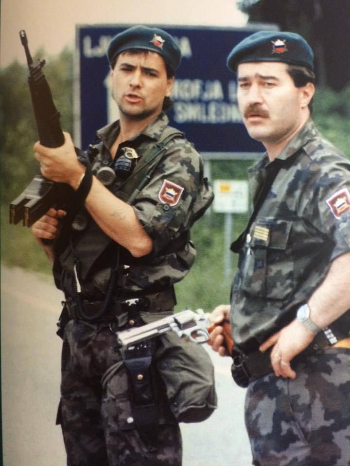 Slovenian National Guard during Ten-Day War, also known as the Slovenian Independence War or the Weekend War. 1991