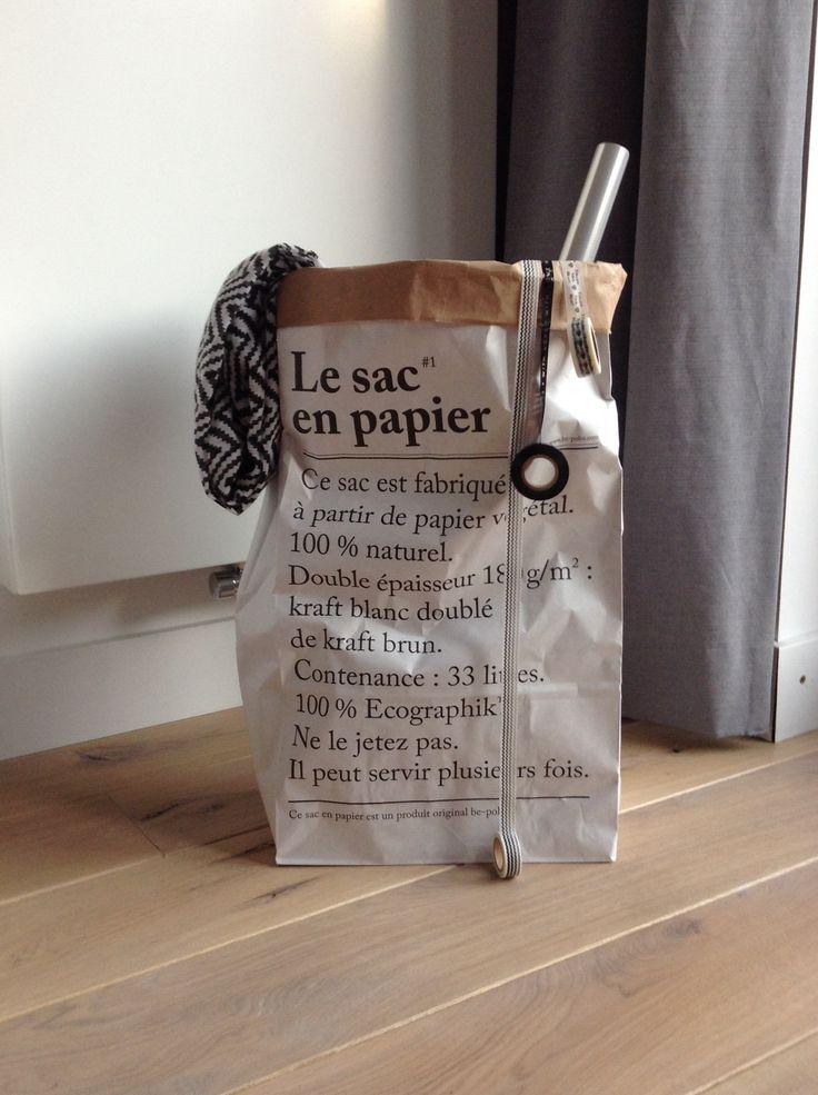 Le sac en papier - perfekt til oppbevaring av gavepapir, tape og ting du ikke får plass til i skuffer og skap! Se www.multitrend.no - gratis frakt