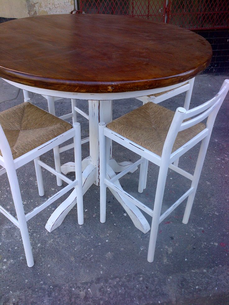 Rustic round table seats 6 recycled and reclaimed wood for Reclaimed wood oregon