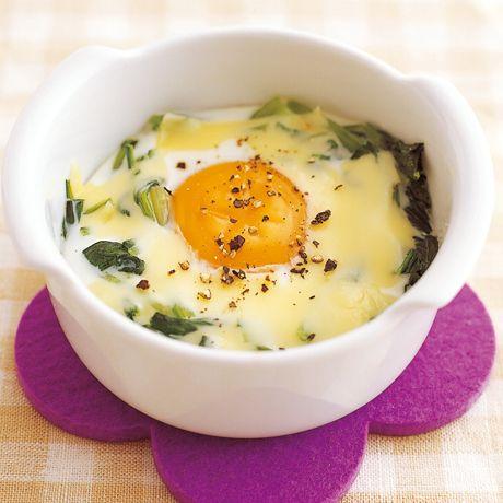 レタスクラブの簡単料理レシピ 常備野菜ですぐできる「ほうれん草のココット」のレシピです。